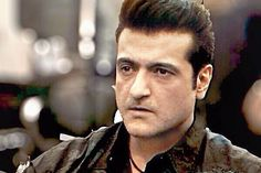 Armaan Kohli sports Elvis Presley's Pompadour hairstyle  Armaan Kohli will be seen sporting an Elvis Presley-like Pompadour hairstyle in a forthcoming film. http://toi.in/gp1Ifa
