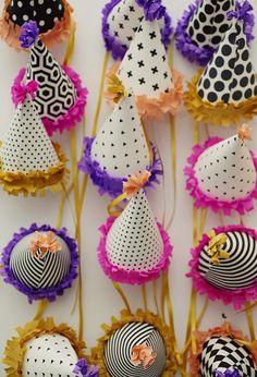 Cute party hats - DIY
