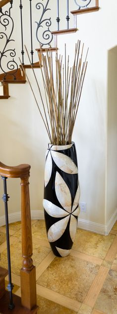Floor Vase - A somewhat awkward space turned into a highlight. #vases #floor