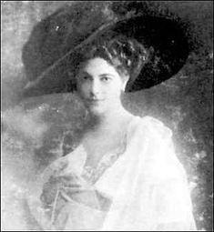 "16-11-11  Mata Hari 1906 in ""Straßenkleidung"""