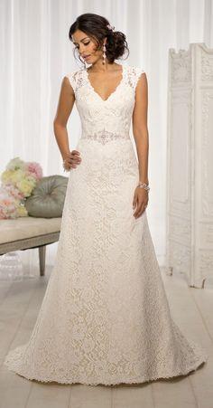 Beautiful lace wedding dress