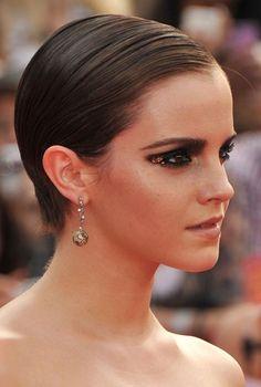 LOVE Emma Watson's makeup here