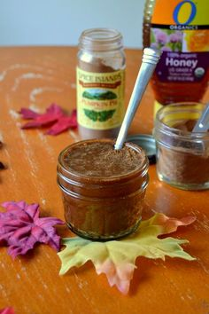 DIY Pumpkin Spice & Honey Face Mask Recipe