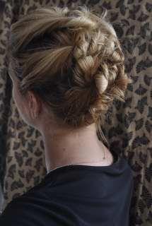 hairstyles, hair tutorials, hair romance, romances, pin
