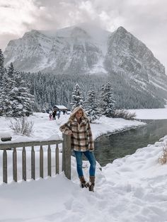 Plaid, Flannel Pullover #ootd November at Lake Louise #lakelouise