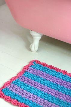 Crocheted rope bath mat