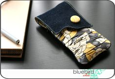Epi Pen Case holds two auto-injectors and a pack of fastmelts. Great idea!    ...from Bluebird Chic