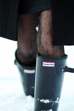 Classy Girls Wear Pearls wearing polka-dot tights and Hunter Original Tall boots.