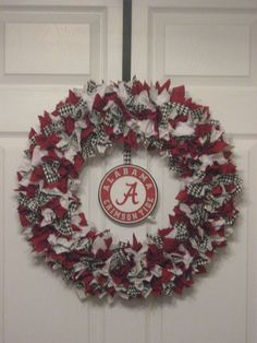 18 Alabama Crimson Tide Fabric Wreath with Crimson Tide Logo via Etsy