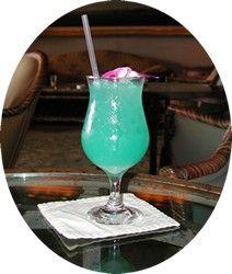 Oscar Party Drink: Blue Hawaiian (The Descendants)