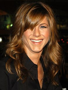 Jennifer Aniston looks radiant thanks to her light-reflecting hairstyle.