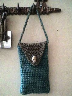 Umme Yusuf: Tunisian stitch cell phone bag