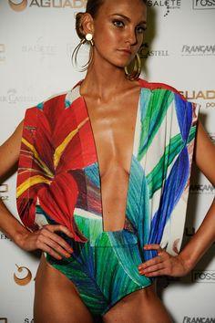 Miami South Beach Fashion| Serafini Amelia|Água de Côco SS12