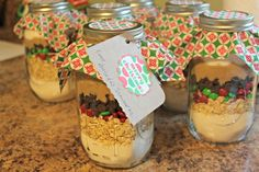 Give a homemade gift - Cookies in a jar!