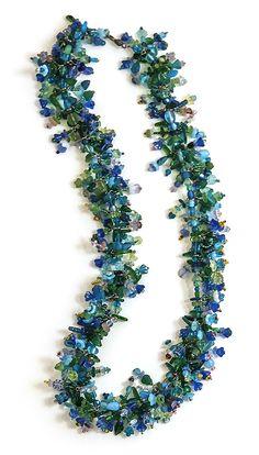 Robin Ayres – Vintage flower and leaf beads