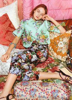 Floral Fashion mixed prints, patterned fashion; flower jacket & capri pants