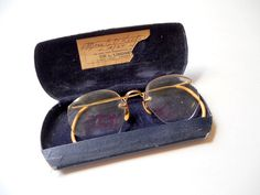 Vintage 1940s Womans Gold  Wire Rimmed Eye Glasses