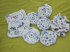 crochet plastic bags, upcycl project, idea, plastic bag scrubber, scrubs, grocery bags, crochet craft, upcycling, diy