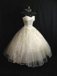 1950s Strapless Ivory Tulle Formal Dress