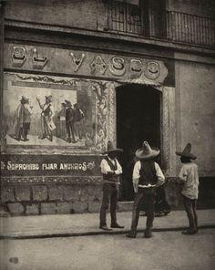 Pulquería El Vaseo by Mexican Photographer Agustín Víctor Casasola (28 de julio de 1874 - 30 de marzo de 1938).