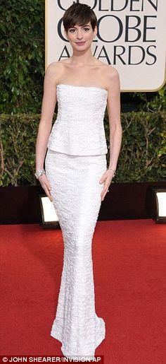 Best Golden Globes Looks -  Anne Hathaway #chanel