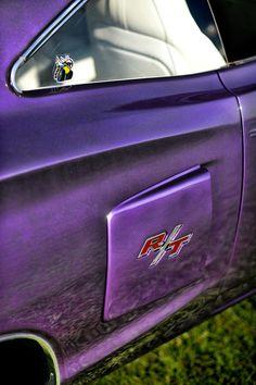 1970 Dodge Coronet RT - Plum Crazy Purple