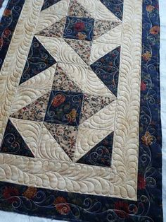 Sewing & Quilt Gallery: Runner Fun