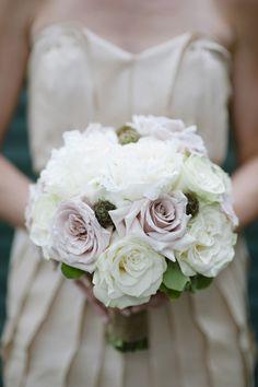garden + amnesia rose bouquet | Lauren Larsen #wedding