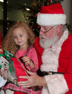 """7 """"Funny"""" Lies Parents Tell About Santa to Get Kids to Believe"""