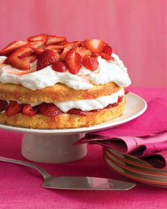 Easter Desserts // Strawberry Cream Cake Recipe