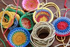 weave a small basket