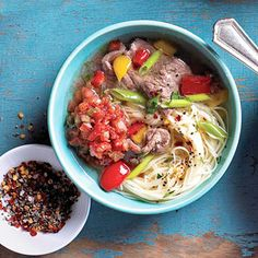 Southwestern Noodle Bowl is a delicious combination of pasta, peppers, and steak. Serves 6: For Phase 3, use 1/2 cup of quinoa pasta per serving. For Phase 1, use 1 cup of any phase-appropriate pasta per serving, and saute in broth (if necessary) instead of oil.
