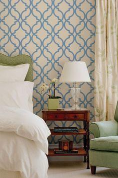 chair, pattern mixing, trelli wallpap, blue moroccan, side tabl