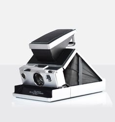 SLR670 from Mint - The innovative SLR670 merges the best functions and features  of Polaroid SX-70 and SLR680 into a sleek, stylish body. | $644 USD