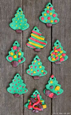 A recipe for vibrantly colored ornaments made of bread clay - you probably have everything you need to make these right now! bread dough, christmas ornaments diy kids, dough ornaments, cooki, bread clay, clay ornamentsno, christmas trees, christmas tree ornaments, bread crumbs