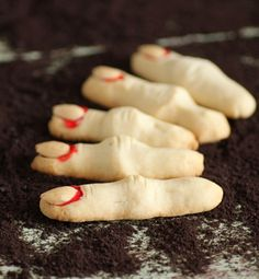 For this Mouth Watering Monday we dusted off the cob webs and snuck into the vault to give you these Witch's Fingers from a few years ago.