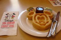 mickey mouse waffle!!