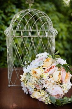 parti flower, bridal bouquets, peach, maid bouquet