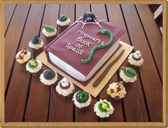 Harry Potter Cake with Matching Cupcakes