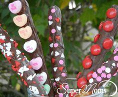 Valentine's Chocolate Pretzels - Send your valentine a message with these Valentine's Chocolate Pretzels! Tag: Valentine's Day Recipes for Kids | Valentine's Day Treats | Easy Valentine's Day Recipes