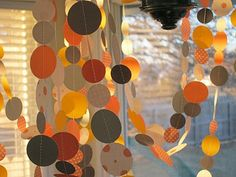 circles, sewing machines, shower decorations, paper garlands, paper circl