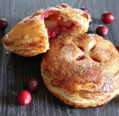 Thanksgiving Recipes : Pear and Cranberry Hand Pies Recipe #Thanksgiving #Recipe #Turkey #Holiday
