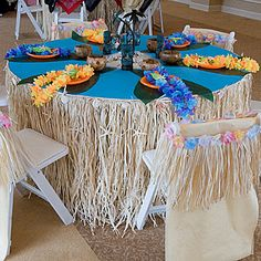 Luau party table setting