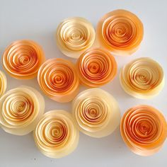 Ok girls, who is feeling crafty?? :)  diy: Paper Flower Garland