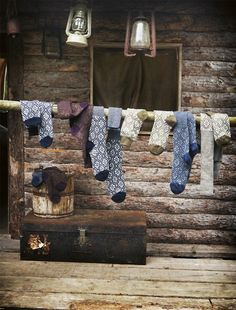 I don't know why I love this... but I do.   Socks drying.............