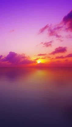 ✯ Maldives Sunset  Sunsets are so beautiful... Truly an amazing piece of natural art.