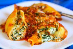 spinach shell, pasta shell, stuf pasta, spinach stuf, food, stuf shell, stuffed shells, cheesi spinach, shell recip
