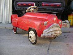 VINTAGE PEDAL CAR 1950-1960