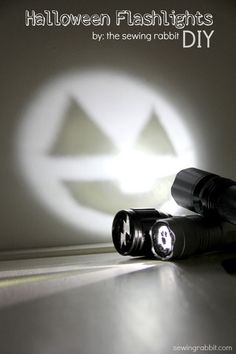 Halloween Flashlights. perfect for trick-or-treating #halloween