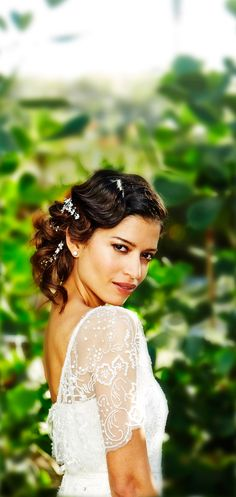 Love @tresemme's #bridalhair #howto for this wedding chignon!